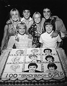 'Brady Bunch' With 100th Episode Cake.