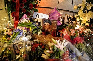 Flowers Placed On The Hollywood Walk Of Fame Star Of Elizabeth Taylor