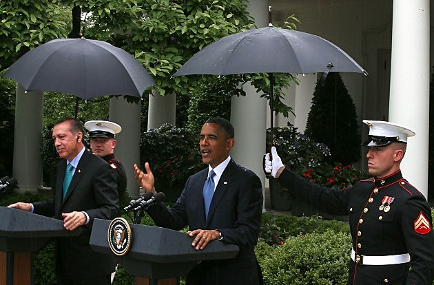 us marine holding umbrella for obama