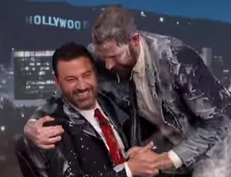 John Krasinski and Jimmy Kimmel\'s Christmas Prank War